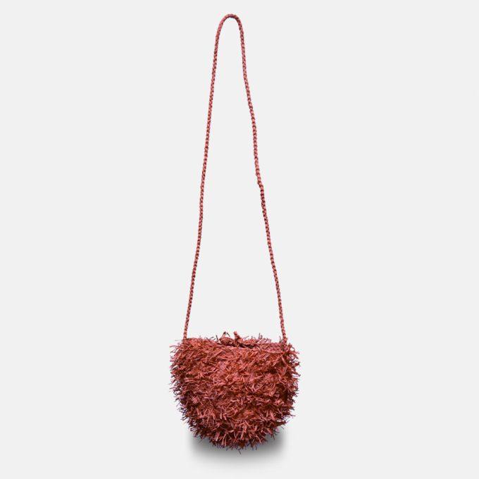 sac bandoulière en raphia tressé, le sac Sakipik de Sans Arcidet Paris