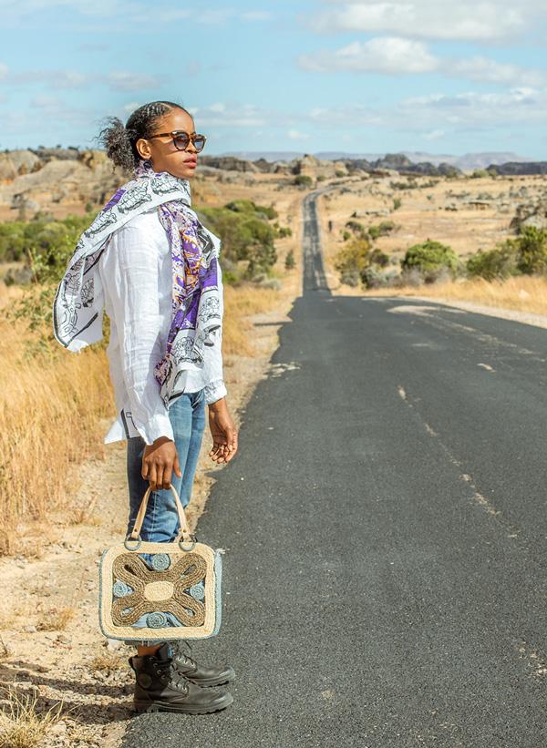 Sac Becky en raphia de Madagascar, Lookbook Sans Arcidet Paris
