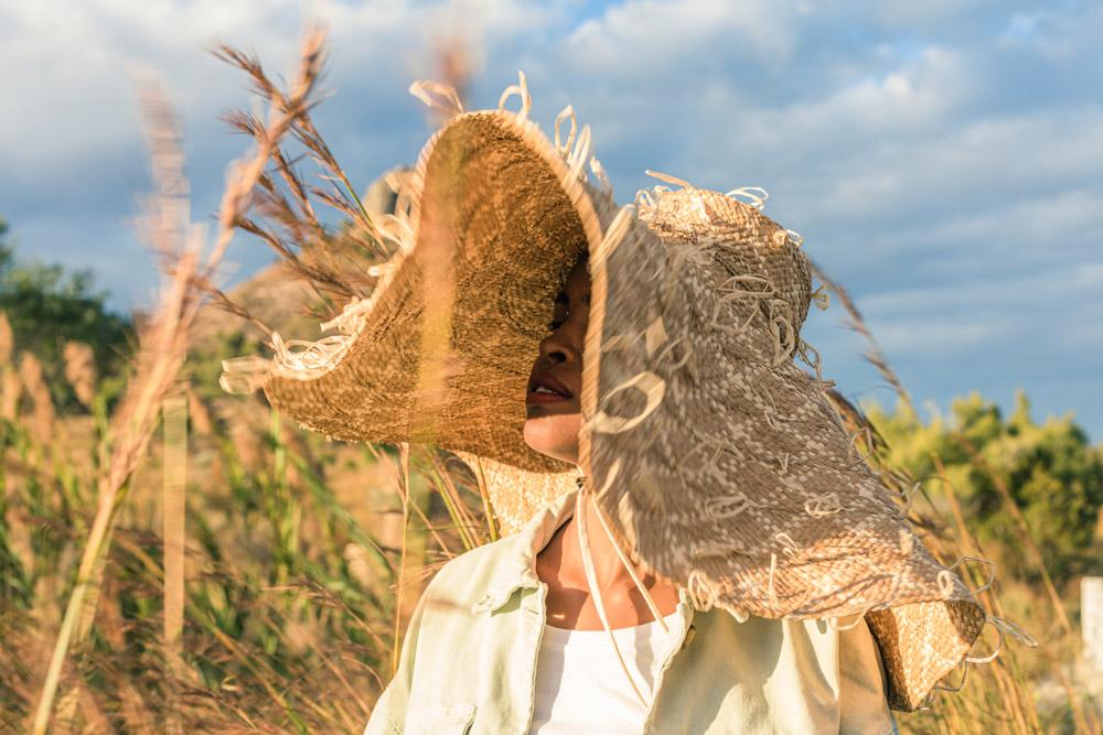 Chapeau en raphia de Madagascar, Lookbook Sans Arcidet Paris