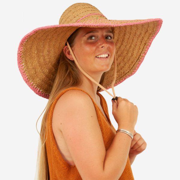 FLIC-EN-FLAC-HAT-THE-PARME-PORTE